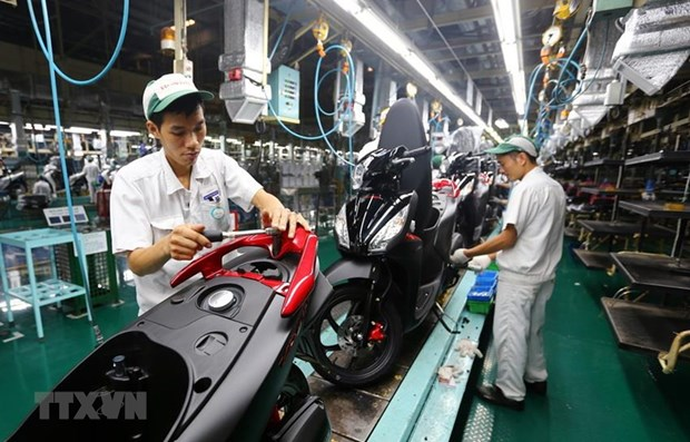 Vietnam's GDP growth may reach 8 percent in 2022: DBS hinh anh 1